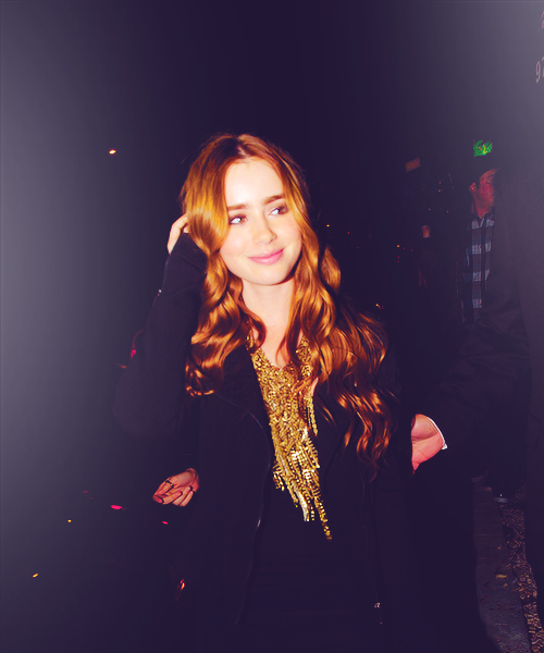 Lily - Lily Collins Fa...