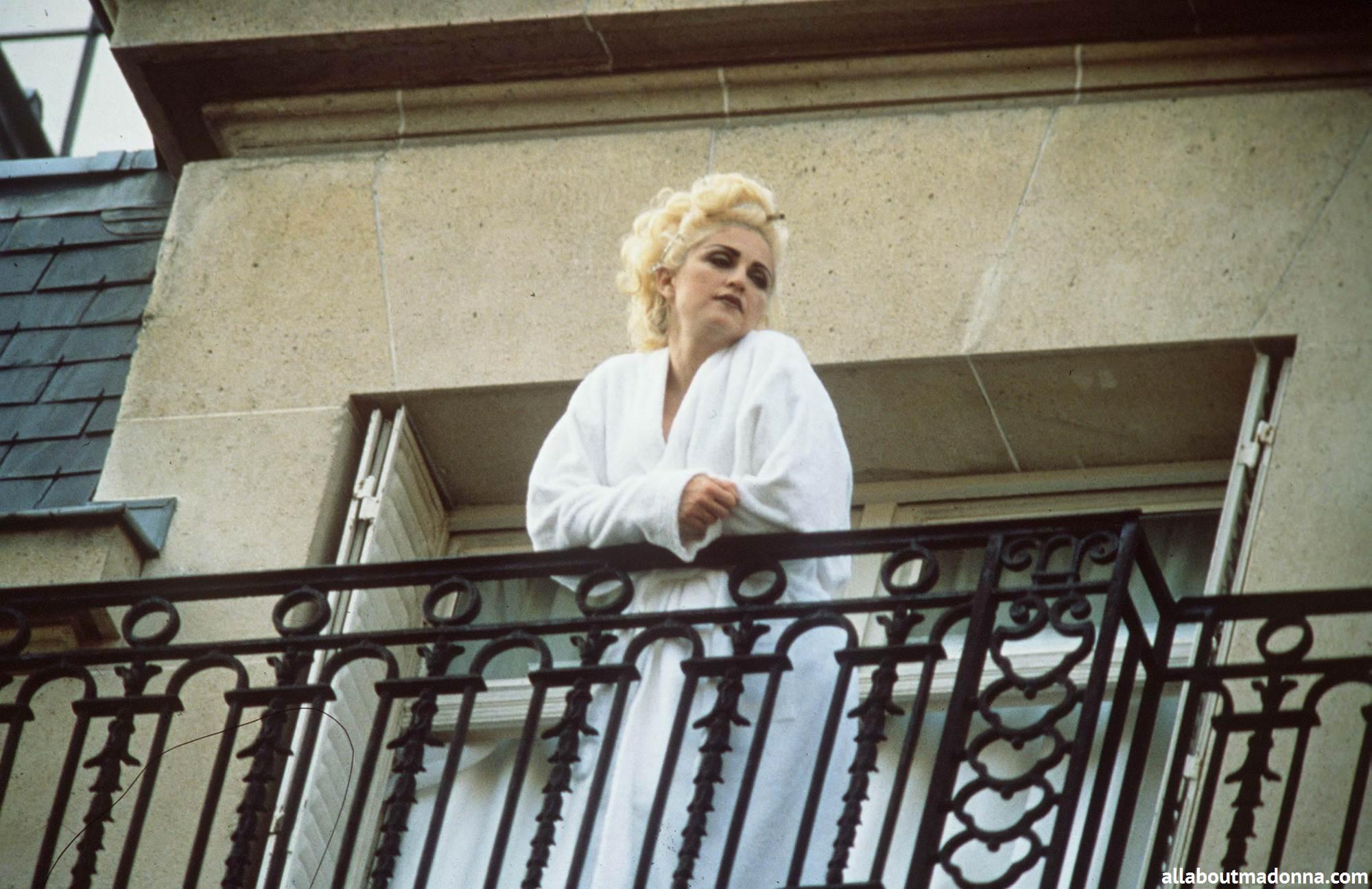 Madonna madonna photo 31905245 fanpop for Origin of balcony