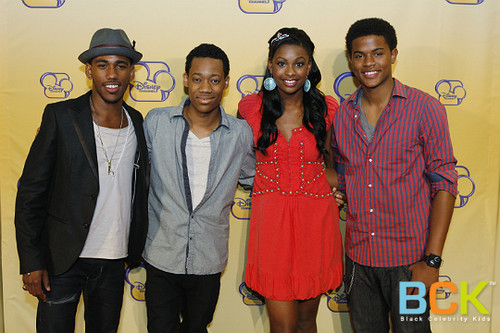 Main Characters of Let it Shine