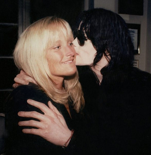 Michael Jackson halik Debbie Rowe (Lovers)