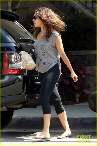 Mila leaves Bristol Farms in West Hollywood
