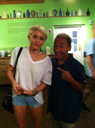 Miley New Pic. - miley-cyrus Photo