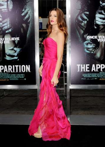 "madami photos: Ashley arriving at the ""The Apparition"" LA Premiere - 23/08/12."