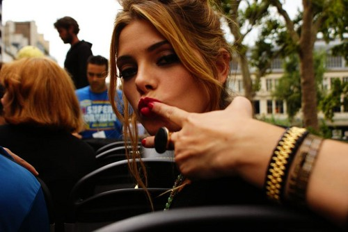New/Old фото of Ashley BTS of LOL in Paris. [2010]
