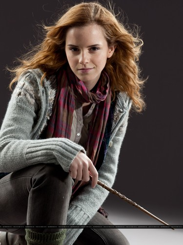 Hermione Granger wallpaper entitled New promotional pictures of Emma Watson for Harry Potter and the Deathly Hallows part 1