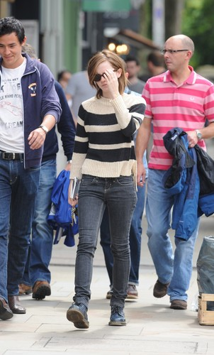 Out & About in London - 25 August, 2012 - HQ
