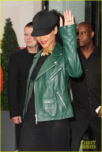Rihanna in Luân Đôn
