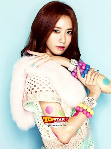 S♥NEISM wallpaper with a fur coat entitled SNSD @ Casio Baby G Watches