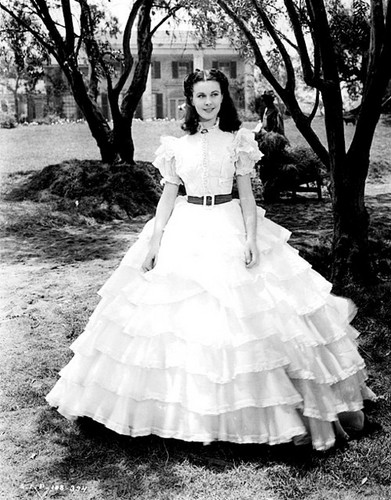 Gone with the Wind wallpaper with a hoopskirt and a crinoline entitled Scarlett O'Hara