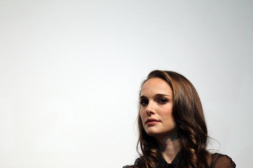 Speaking at the Nevada Women Vote 2012 Summit at the Fifth jalan, street School Auditorium, Las Vegas (Augu