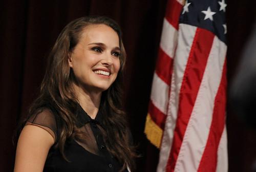 Speaking at the Nevada Women Vote 2012 Summit at the Fifth mitaani, mtaa School Auditorium, Las Vegas (Augu