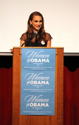 Speaking at the Nevada Women Vote 2012 Summit at the Fifth mitaani, mtaa School Auditorium, Las Vegas (Augu