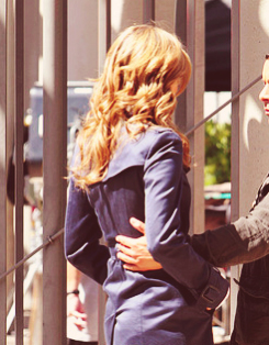 Stana Katic {New castelo S5 Behind the Scenes}