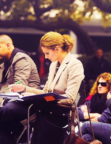 Stana Katic {New 城 S5 Behind the Scenes}