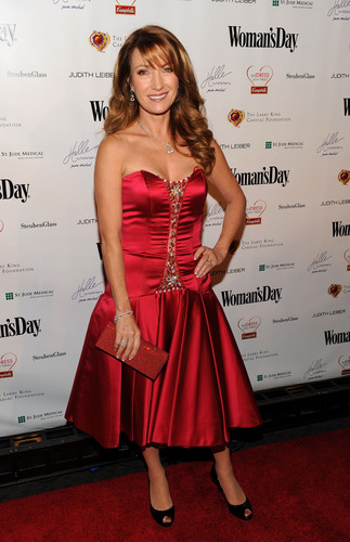 The 7th Annual Woman's 일 Red Dress Awards