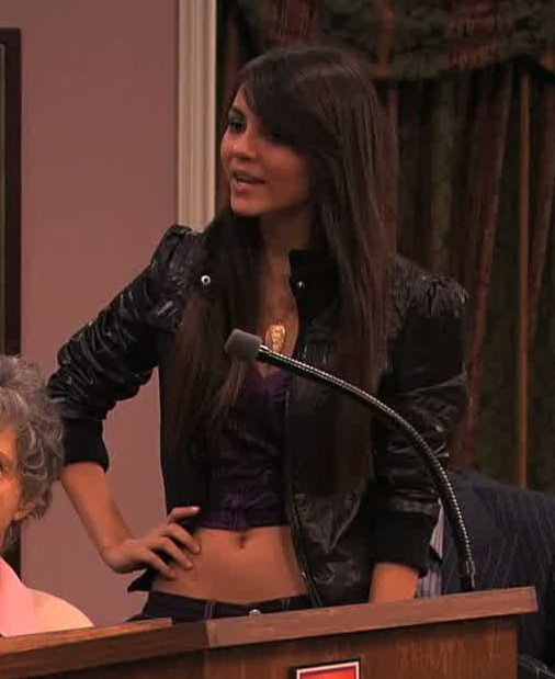 Victoria Justice Belly Button (Belly Shirt)