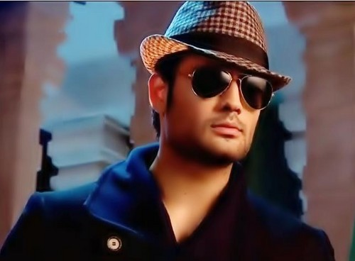 Vivian Dsena karatasi la kupamba ukuta containing sunglasses entitled Vivian Dsena