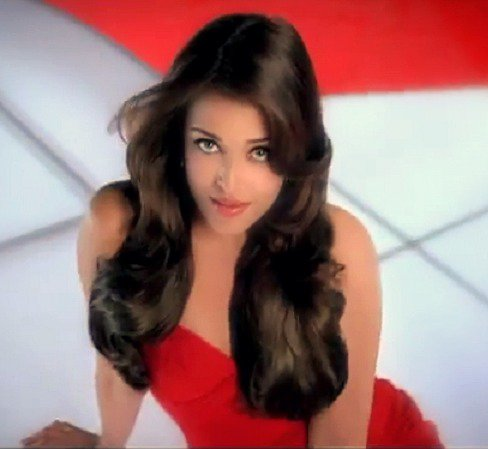 Aishwarya Rai Hintergrund containing attractiveness, a bustier, and a portrait entitled aishhh