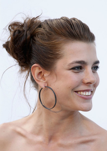 la Princesse charlotte Casiraghi fond d'écran containing a portrait entitled charlotte