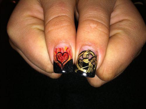 'The Hunger Games' nail art <3
