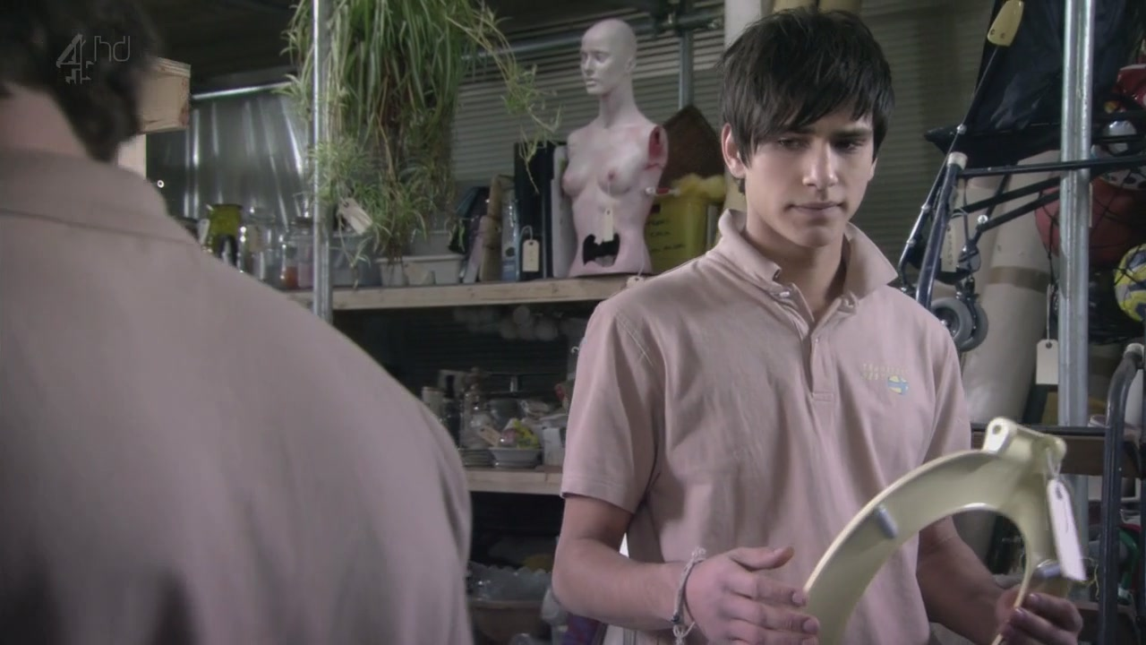 • MFPOMN - My Favorit Picture Of My Neighbour - Page 6 3X09-luke-pasqualino-32058146-1280-720