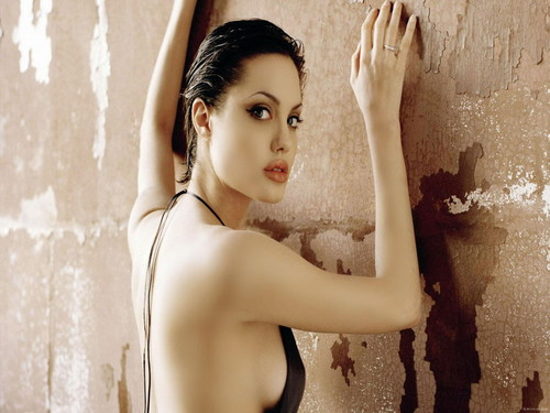 Angelina Jolie wallpaper possibly containing a portrait and skin titled Angelina