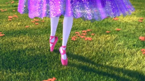 Barbie and the گلابی Shoes!!