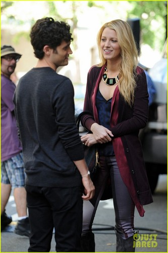 Blake and Penn on the set of Gossip Girl on Wednesday (August 29) in NYC