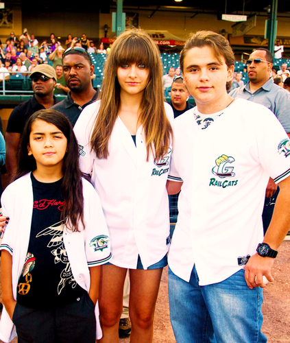 Blanket Jackson, Paris Jackson and Prince Jackson ♥♥