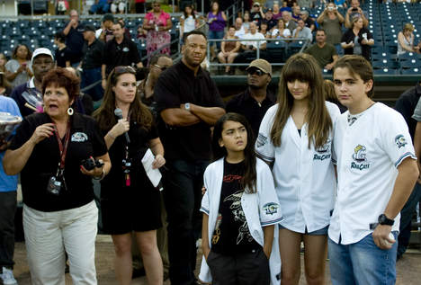 Blanket Jackson, Paris Jackson and Prince Jackson in Gary, Indiana ♥♥