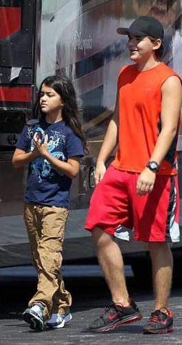 Blanket Jackson and his brother Prince Jackson in Gary, Indiana ♥♥