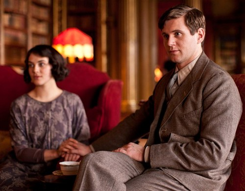 Downton Abbey پیپر وال with a business suit titled Branson & Sybil {Season 3}