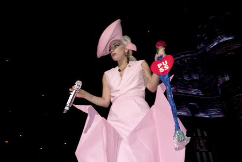 Gaga 由 Terry Richardson in Sweden