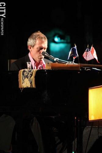 Hugh Laurie in концерт the Riviera Theatre, North Tonawanda, NY 28.08.2012