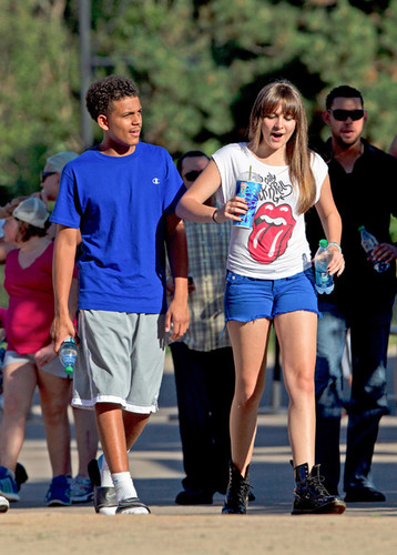 James and his cousin Paris Jackson at Six Flags in illinois ♥♥