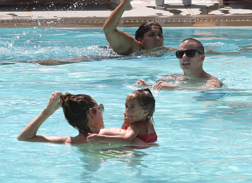 Jennifer Lopez Relaxes At The Pool With Her Kids And Casper [August 30, 2012]