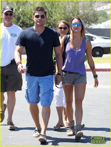 Jensen Ackles Malibu Chili Cook Off with Danneel - jensen-ackles Photo