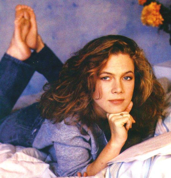 Kathleen Turner On Pinterest 1980s Actresses And Wheel