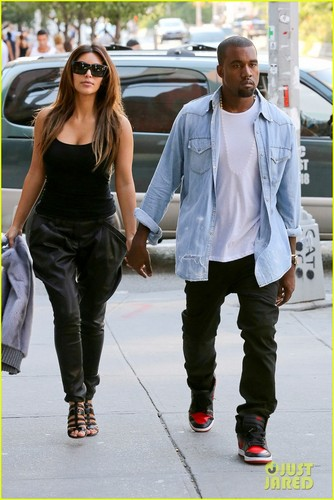 Kim & Kanye while talking a romantic stroll through New York City (August 31)
