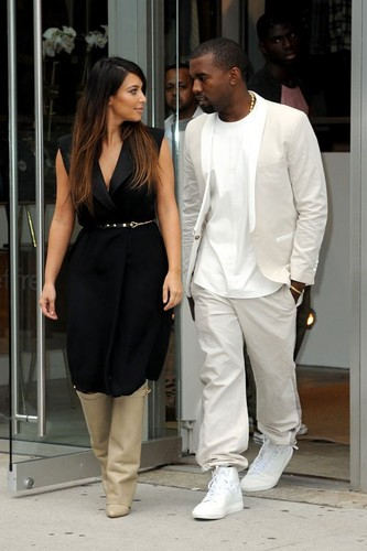 Kim Kardashian out in NYC with Kanye West (September 2)