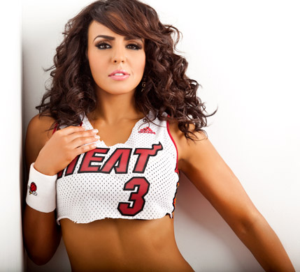 WWE-蕾拉 壁纸 entitled Layla Photoshoot Flashback