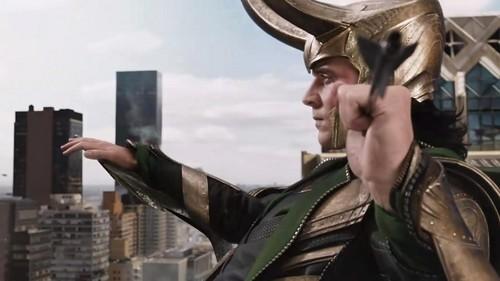 Loki (Thor 2011) fond d'écran with a fedora and a boater entitled Loki