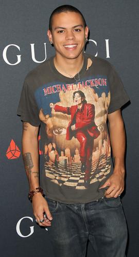 MJ's good friend diana ross's son evan ross rocking the michael jackson shirt