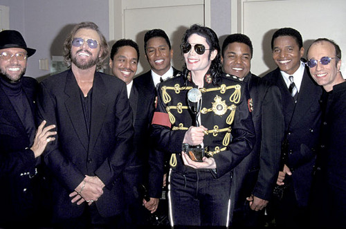Michael With His Brothers And The Bee Gees At 1997 Rock And Roll Hall Of Fame Induction Ceremony