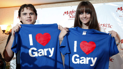 Prince Jackson and his sister Paris Jackson in Gary, Indiana ♥♥