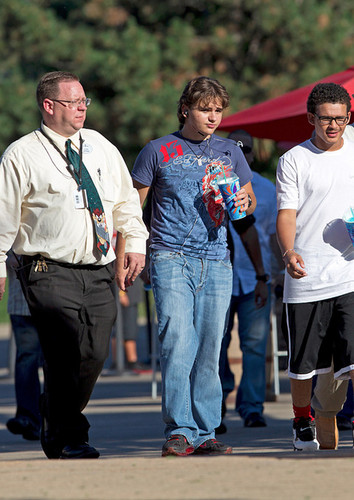 Prince Jackson with his cousin Johnathan at Six Flags in illinois ♥♥