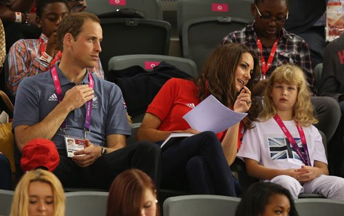 Prince William and Kate watching the track সাইকেলে চলা on দিন 1 of the লন্ডন 2012 Paralympic Games