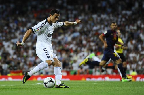 Real Madrid v Barcelona (1-2)