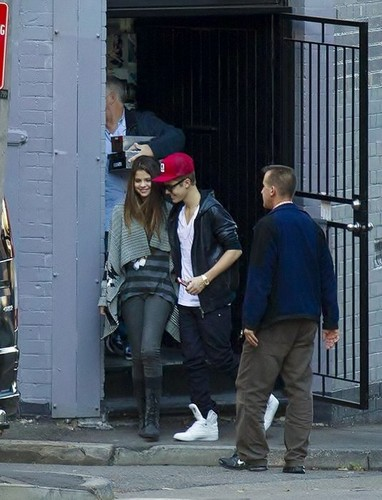 Selena & Justin NEW pictures