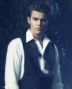 Stefan Salvatore wallpaper possibly with a business suit and a suit called Stefan in season 4